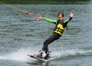 Uk op een wakeboard
