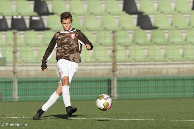 FC Dordrecht heeft een nieuw tenue waarvan foto hamar foto's mag maken tijdens de voetbalwedstrijd