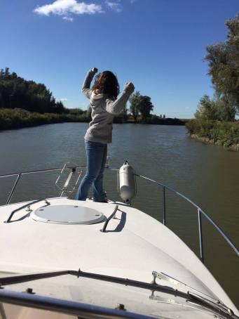 Foto Hamar tijdens het varen met Merlin op het water in de BiesBosch
